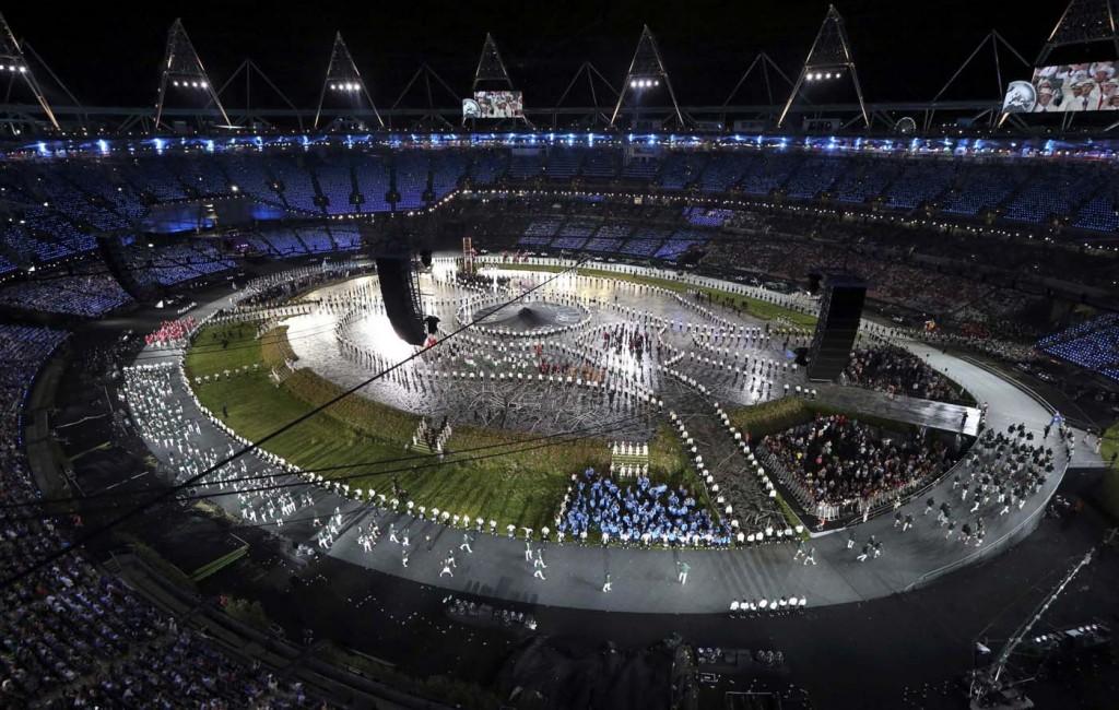 Olimpiadi 2012, Londra. Un momento della cerimonia di apertura dei Giochi (cortesia photo: Pawel Kopczynski – Reuters)