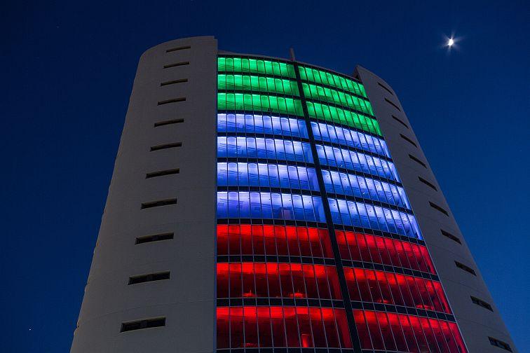 Un sistema dinamico a luce led rgb per le facciate luce e design