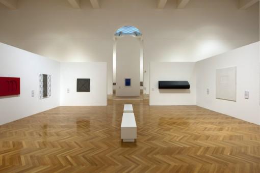 Una delle sale dedicate all'arte moderna e contemporanea (Foto T. Maier – Cortesia: Erco)