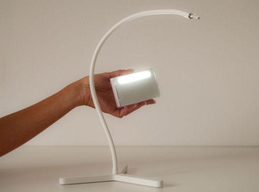 "La lampada ""Snooze"", disegnata per Giesse Technology (2011-2012) (cortesia: Edoardo Colzani Design Studio)"