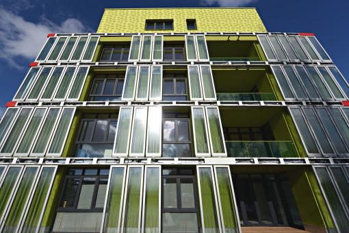 BIQ - Il primo SolarLeaf-Building a Amburgo, Germania. La facciata bioreattiva SolarLeaf (courtesy: (c) Colt International, Arup Deutschland, SSC GmbH )