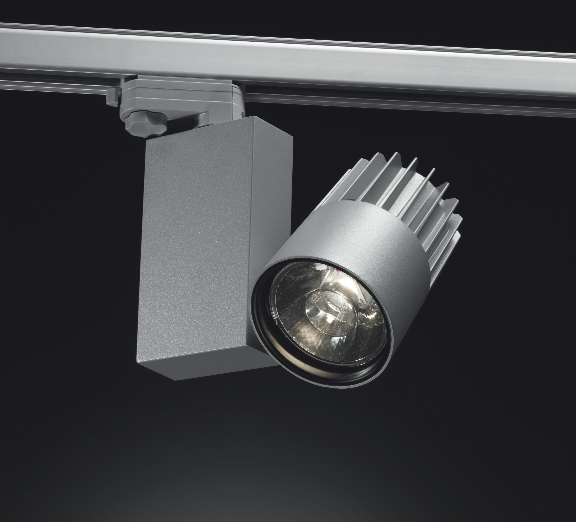 Luce per il contract l 39 esperienza luminosa luce e design for Illuminazione al led