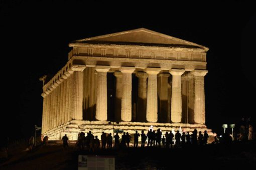 Agrigento, Valle dei Templi. Luce LED per il Tempio della Concordia (cortesia: Disano Illuminazione)