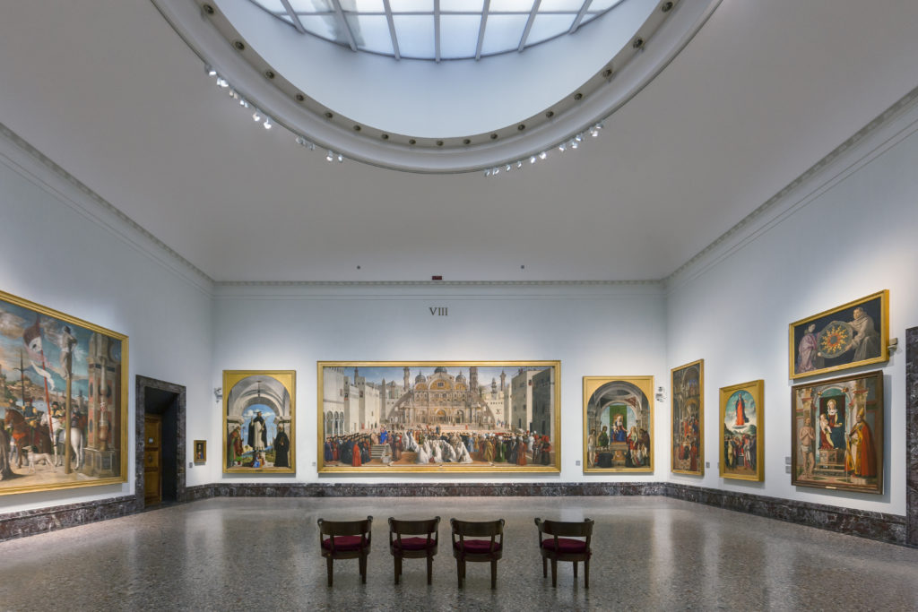 """La sala IX con sullo sfondo la grande """"Cena in casa di Simone"""" (1570) di Paolo Caliari detto il Veronese (cortesia: ERCO)"""
