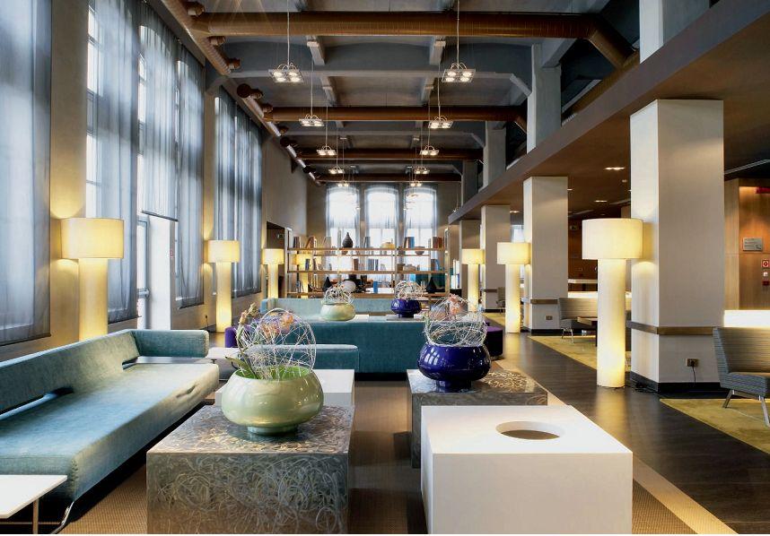 Torino, AC HOTEL (architetto ed interior design Isabella Claramunt - Barcellona) (cortesia: G. Arcesilai)
