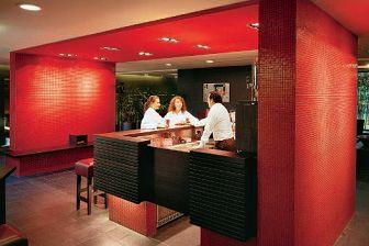 Hotel Terme Merano. Il bar (cortesia: G. Arcesilai)