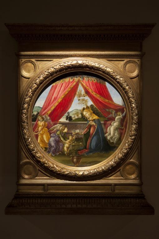 """Sala 2. Sandro Botticelli – """"Madonna del Padiglione"""" con la nuova illuminazione a luce LED (cortesia photo: Simona Monfrinotti)"""