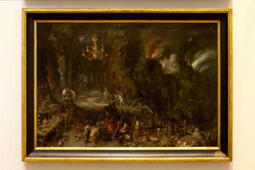 """Sala 7. Jan Brueghel il Vecchio – """"Allegoria del Fuoco"""". Anche qui vediamo l'opera con la vecchia illuminazione (a ) e con la nuova illuminazione (b) (courtesy photo: Barbara Bonomelli)"""