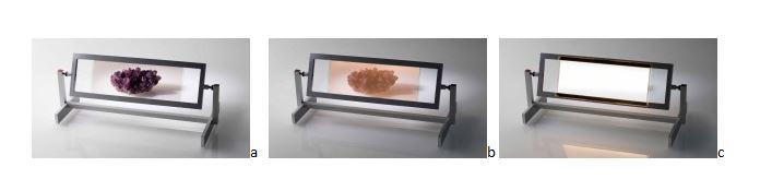 (1) OLED trasparente spento posto davanti ad un oggetto in esposizione (2) OLED trasparente acceso, l'osservatore guarda il lato con debole illuminazione (3) OLED trasparente acceso, l'osservatore vede il lato a forte illuminazione che impedisce la visione dell'oggetto al di là (tenda di luce) (cortesia: Osram)