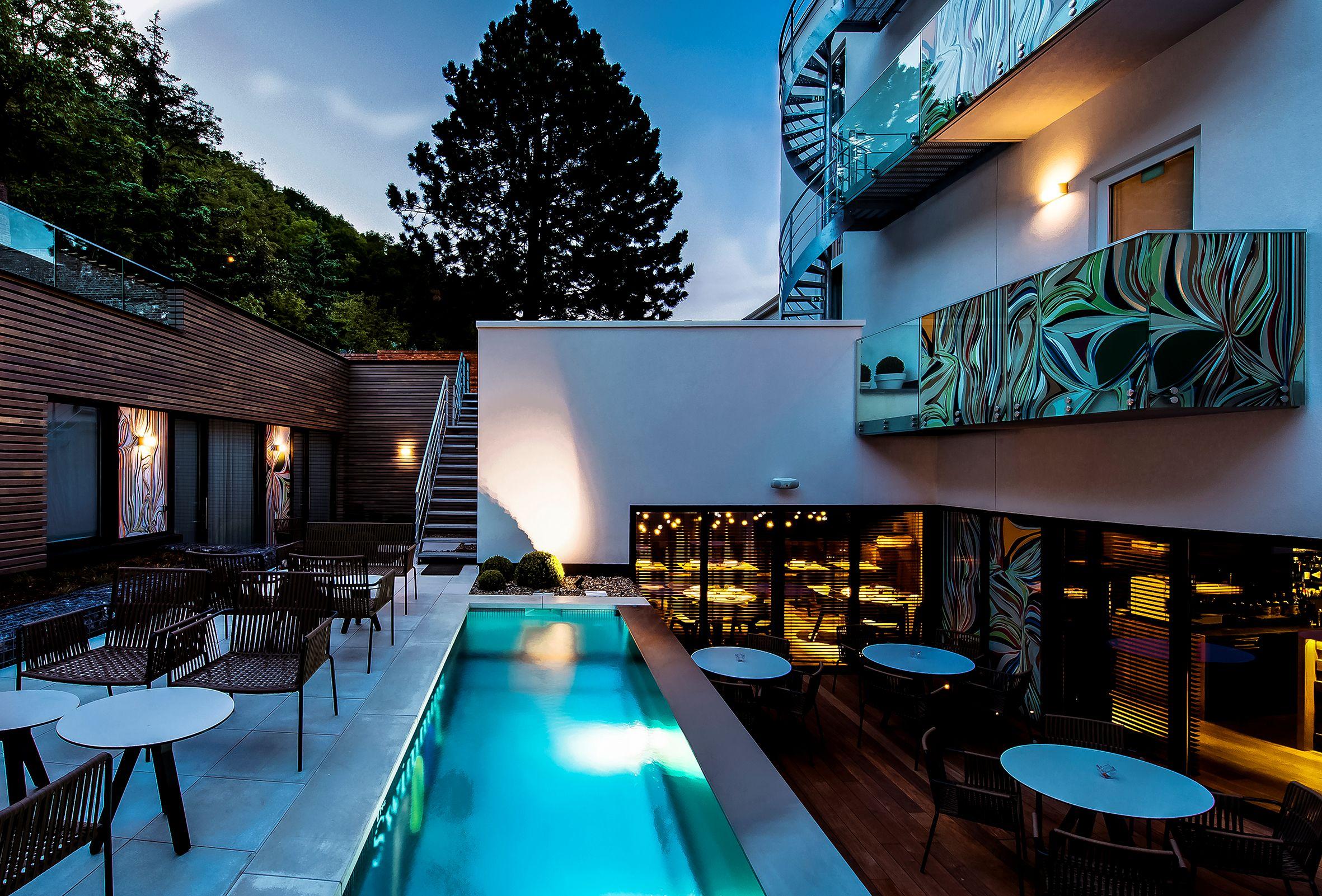 Namur the royal snail hotel luce e design for Hotel design namur
