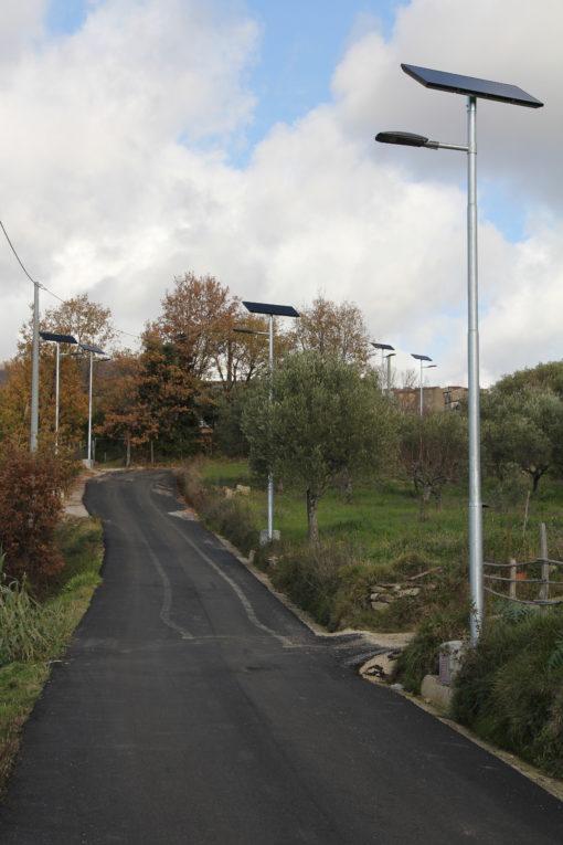 """Civitella di Moio (SA). Gli ambiti rurali si rivelano ideali per l'adozione di sistemi fotovoltaici """"stand alone"""" a luce LED (cortesia: Reverberi Enetec)"""