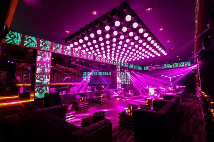 Dance floor led e accento architettonico per la luce nei - Iluminacion led decorativa ...