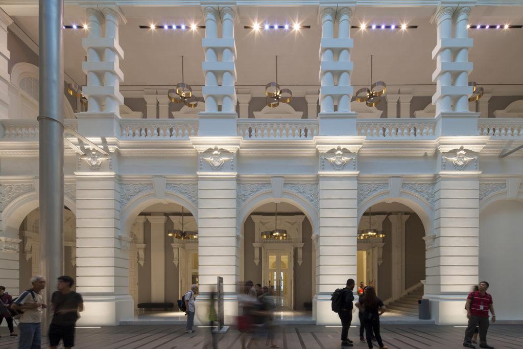 La grande hall; in alto sono visibili alcune delle sospensioni (courtesy photo: .PSLAB)