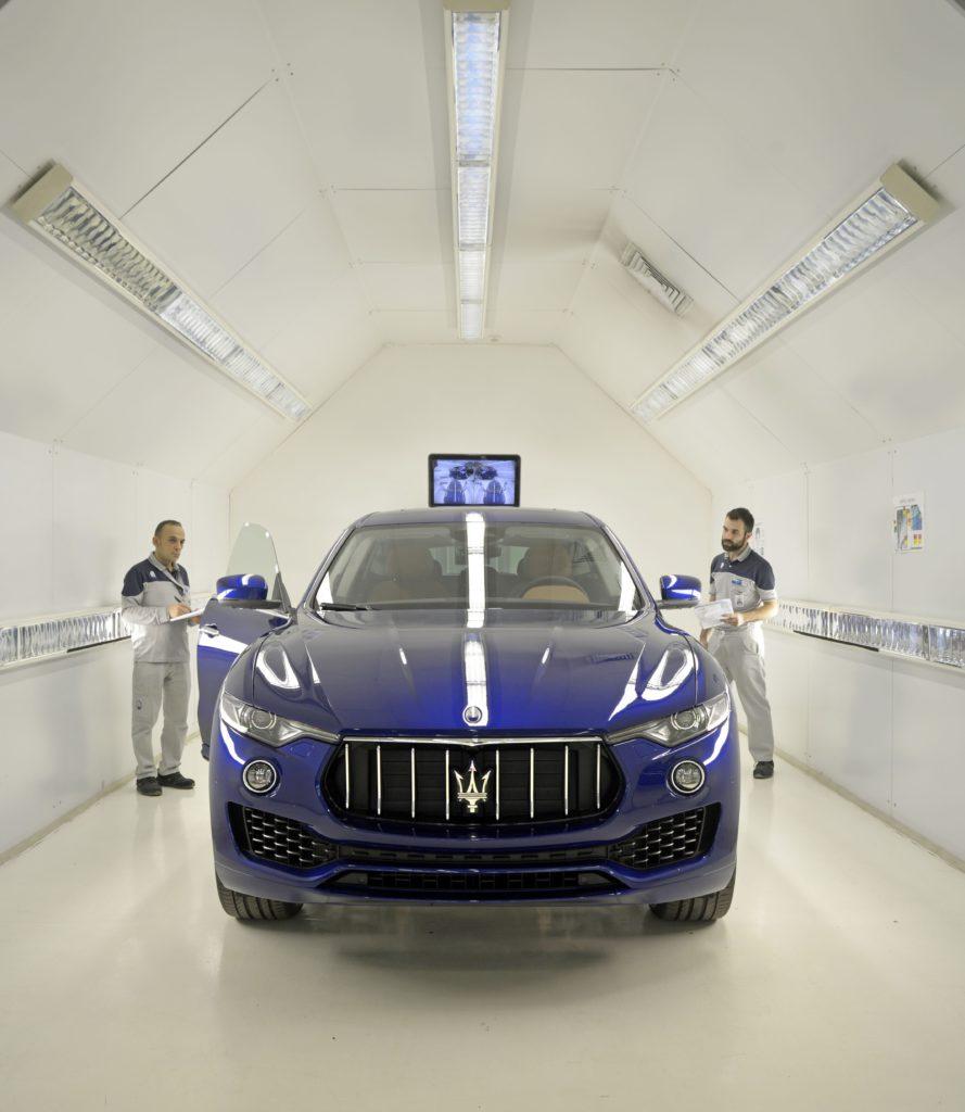 Grugliasco, Torino. FCA – Gruppo Fiat Chrysler Automobiles. Pergola per il controllo verniciature della linea Maserati (courtesy photo: Alessandro Lercara)