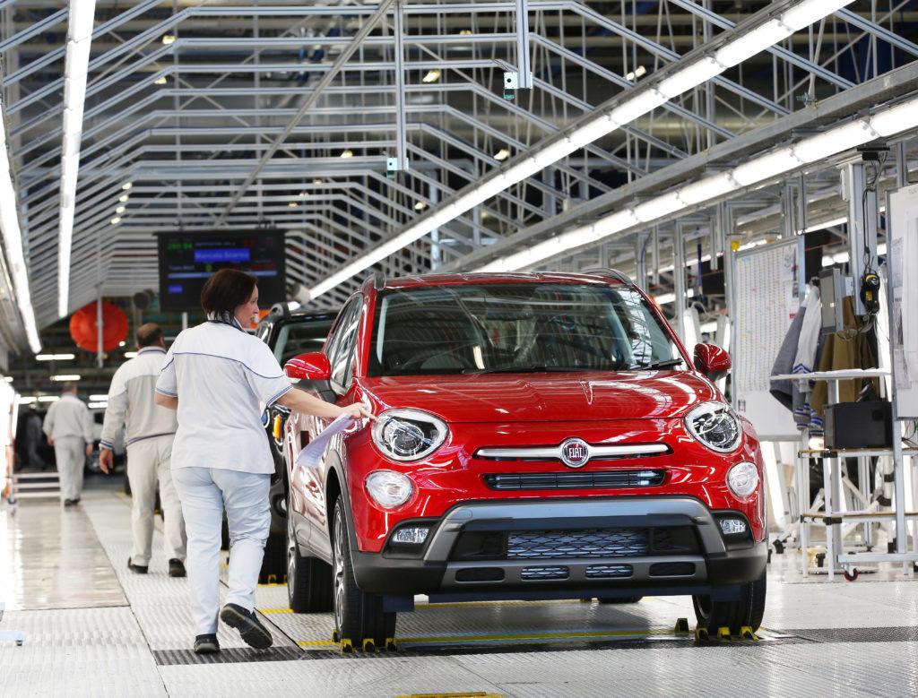 FCA – Gruppo Fiat Chrysler Automobiles. Una delle linee dello stabilimento di Melfi