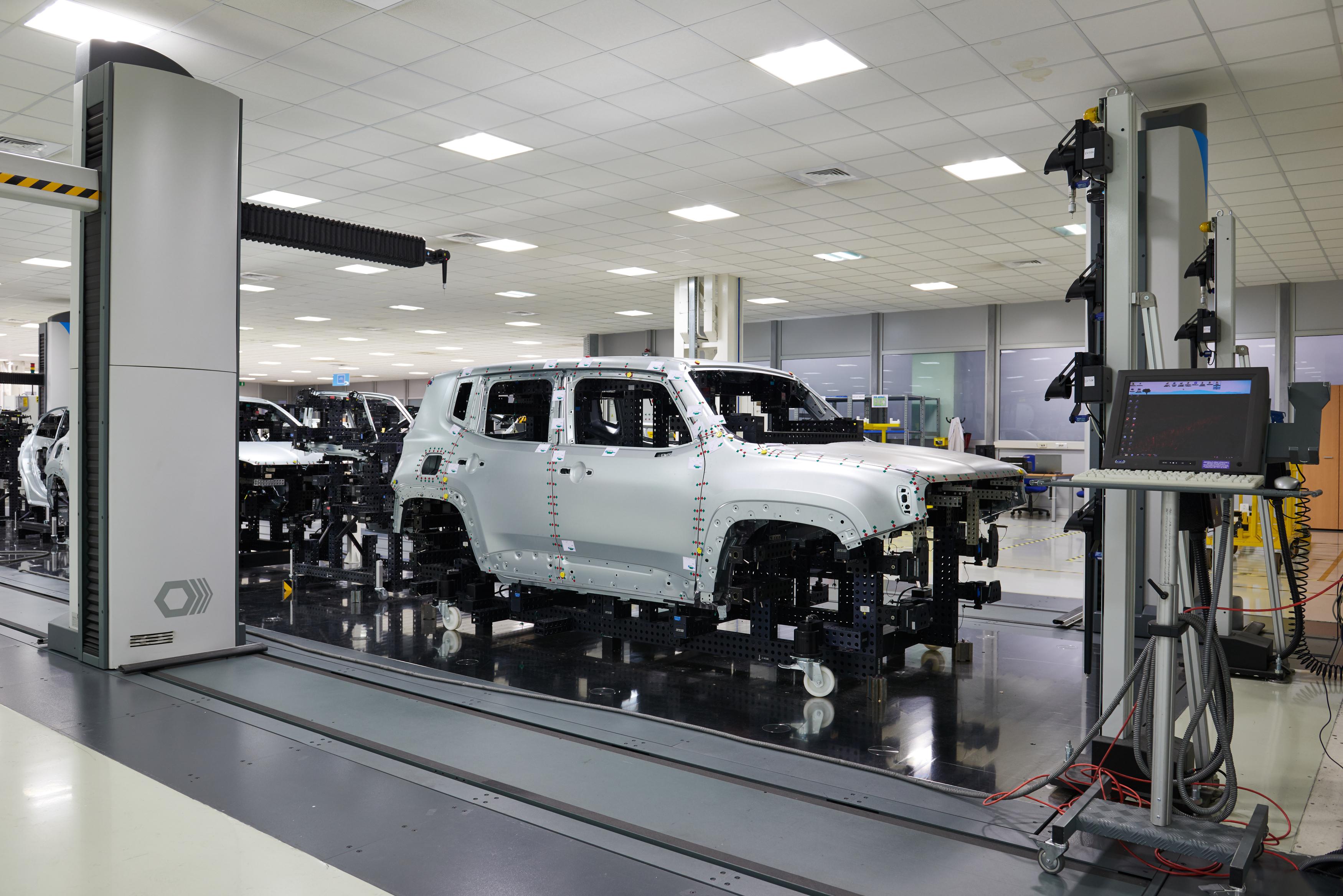 FCA – Gruppo Fiat Chrysler Automobiles. La linea di assemblaggio Jeep di Melfi (courtesy photo: Guido De Bortoli/Getty Images)