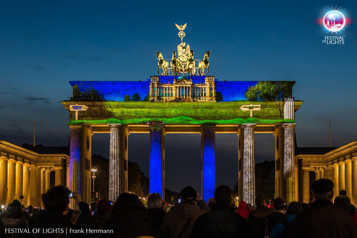 Festival of Lights, Berlino. Videomapping sulla Porta di Brandeburgo, edizione 2015 (courtesy photo: Frank Hermann)