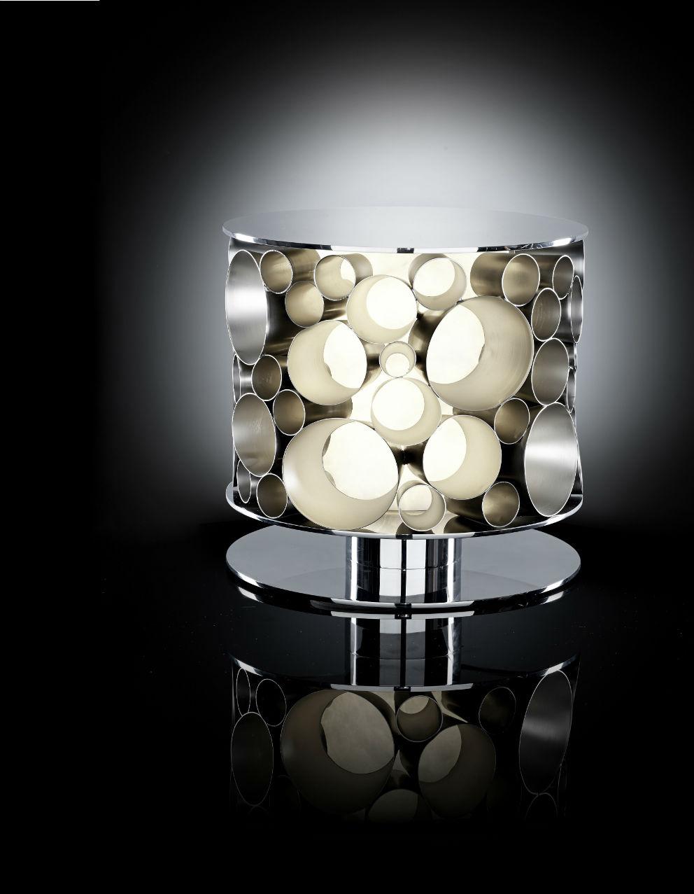 """La lampada da tavolo """"Samira"""" (realizzata in collaborazione con lo studio Andrea Borzelli & Sara Berta Architetti)"""