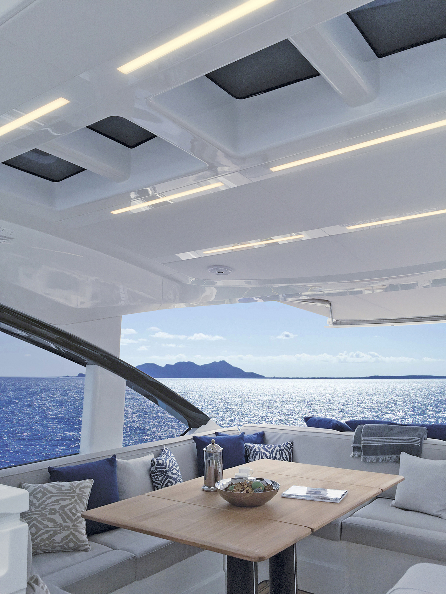 "Il sistema ad incasso ""Maxibar"" (courtesy photo: Quick Marine Lighting)"