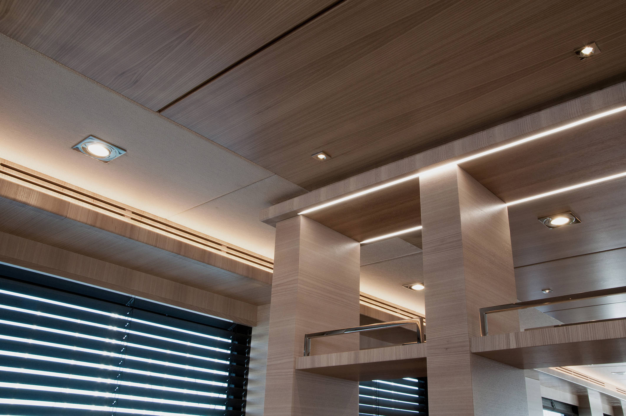 "L'apparecchio a LED per interni ""Infinity"" (courtesy photo: Quick Marine Lighting)"