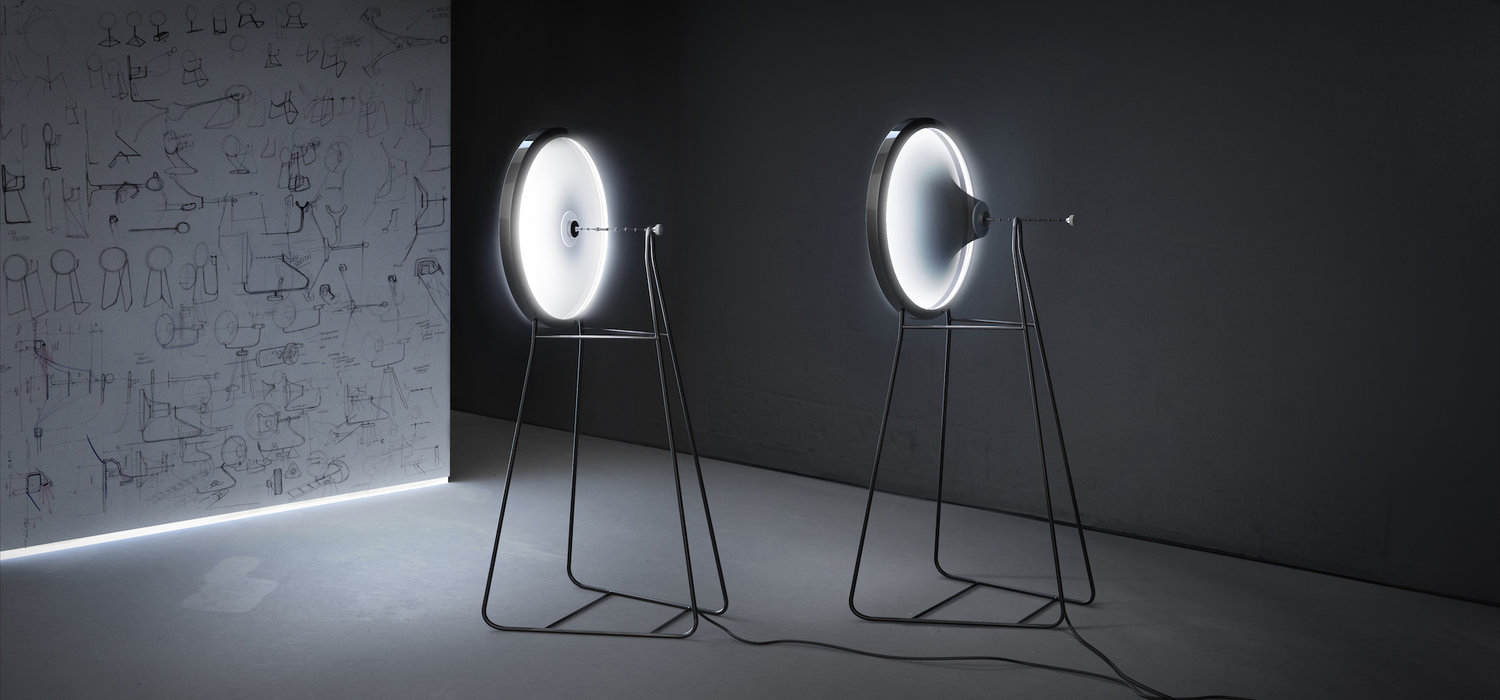 'Black Hole Lamp' di Dario Narvaez + Anthony Baxter (New York, NY, USA) (Photo credit: L A M P)