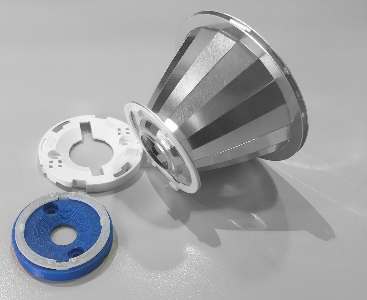 Almeco Group utilizza la stampa 3D per lo sviluppo dei supporti per i riflettori (courtesy: Almeco Group)