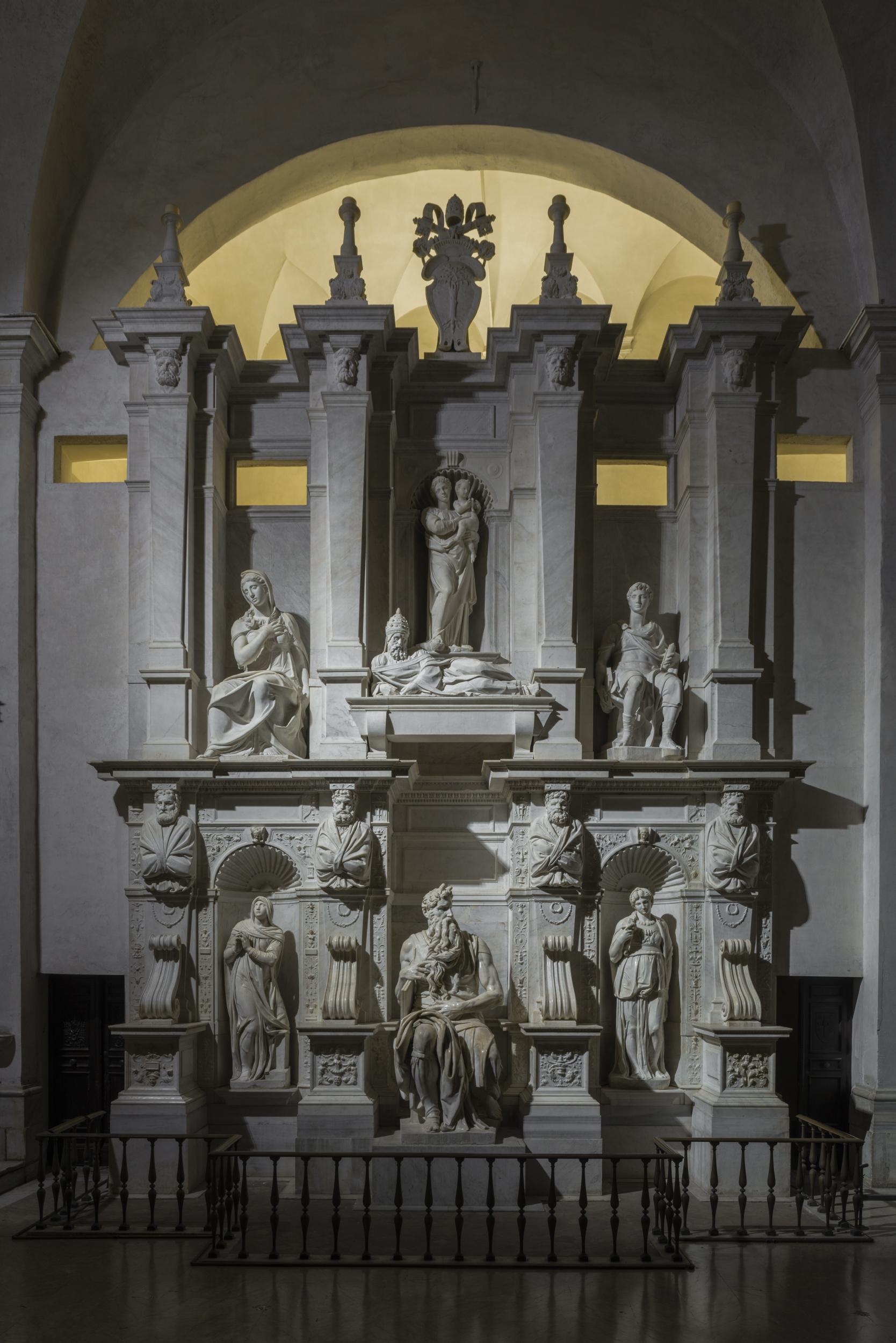 Roma, San Pietro in Vincoli. Michelangelo - Mausoleo di Giulio II (cortesia foto: Andrea Jemolo)