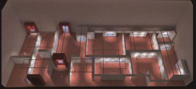 Layout con il progetto di allestimento. In evidenza i sistemi di illuminazione installati a binario