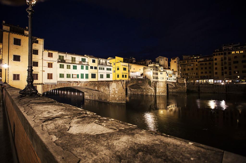 Un'altra immagine di Ponte Vecchio con l'illuminazione del fronte nord (cortesia: DGA – Welt Electronic