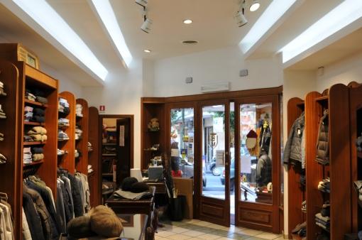 Torre del Greco (NA) - Illuminazione a LED per il retail (Divisione ATILED, cortesia Fabas Luce)