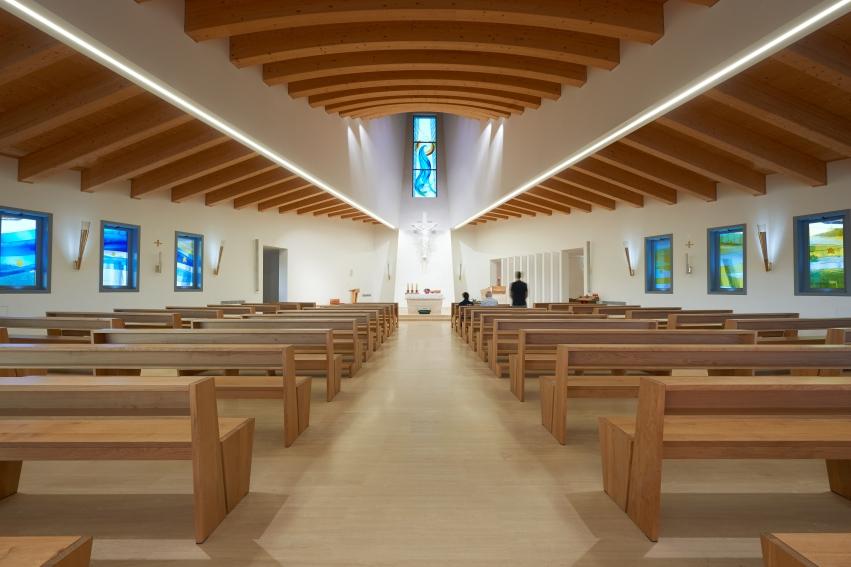"""Jesolo, Chiesa della Madonna Immacolata """"Capitana da Mar"""". Un'immagine dell'interno"""