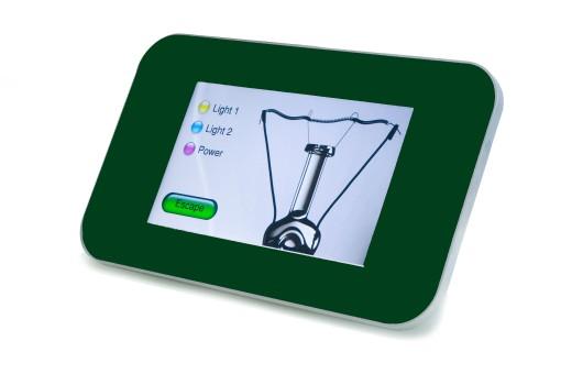 Il touch panel Kairos 4 si caratterizza per la grande compattezza, e dispone di un computer completo in uno spazio di appena 68 x 40 mm, ed è installabile nelle classiche scatole di derivazione 504 (cortesia: Blucasa)