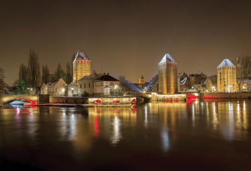Un'altra immagine del grande intervento di illuminazione decorativa urbana di Strasburgo (cortesia: Platek Light)