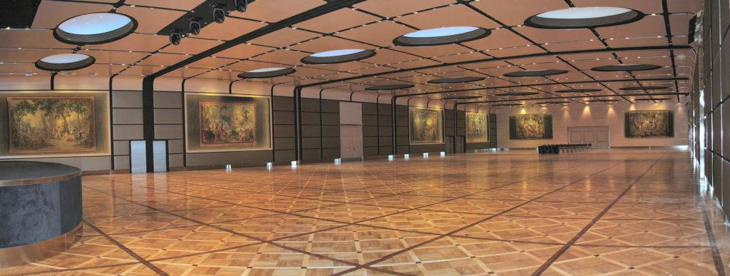 """Roma. Il grande salone del Centro Congressi """"Hilton Rome Cavalieri"""" (cortesia: Osram)"""