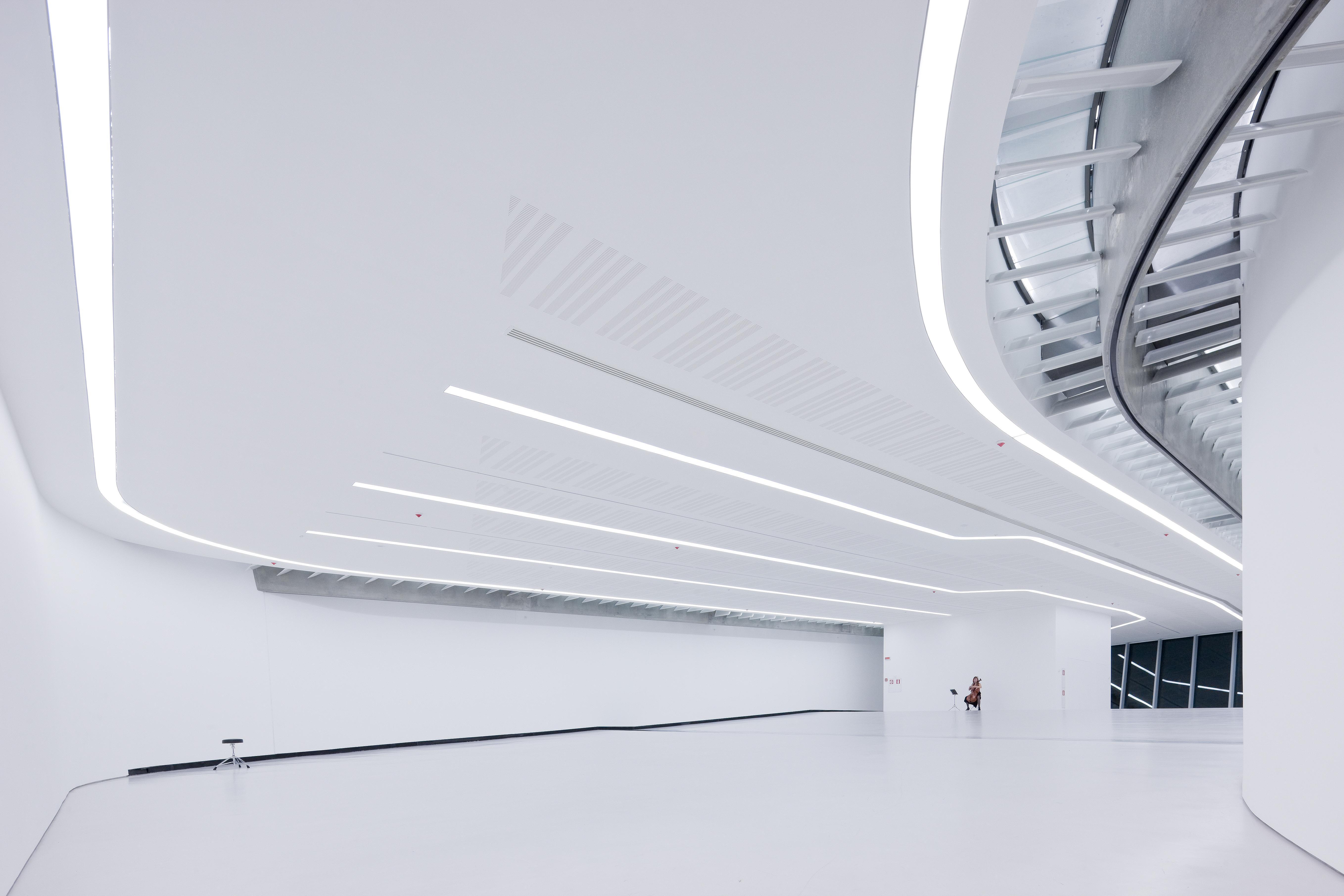 Illuminazione Con Lame Di Luce : Fari led palco fari esterno fari teatro luci led vendita a prezzi