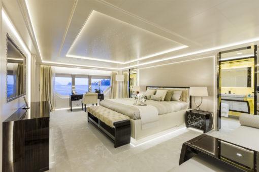 Yacht Prince Shark 49 m. Dettaglio di una camera da letto (courtesy photo: Team For Design) )