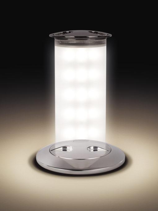 Secret Light è una lampada di utilità da esterno, LED 6 W, completamente a scomparsa (courtesy: Quick Marine Lighting)