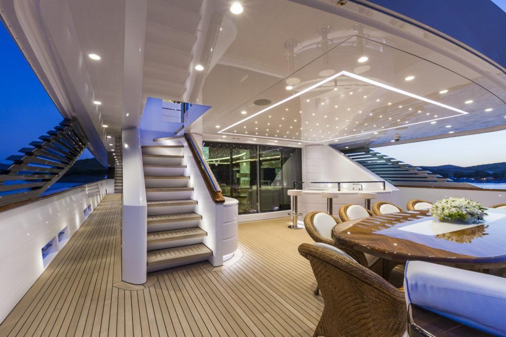 Team For Design - Yacht Ketos 48 m - Il lighting realizzato per il pozzetto (courtesy photo: Team For Design)
