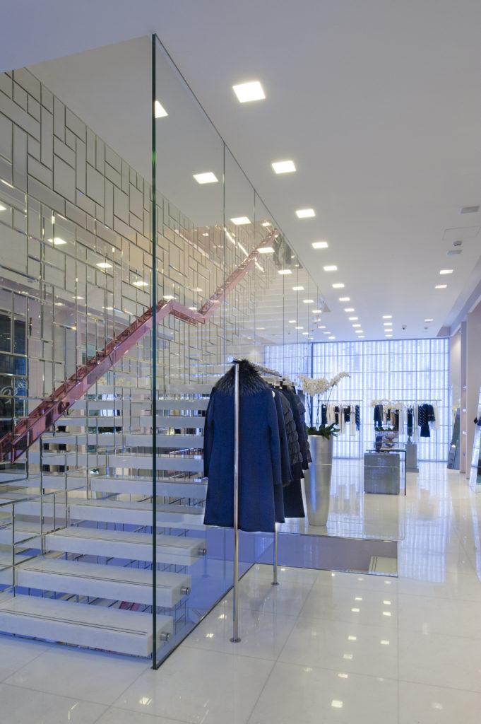 """Boutique """"Blumarine"""", Via della Spiga, Milano (courtesy photo: Buzzi & Buzzi)"""