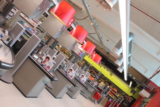 Due differenti immagini del punto vendita Carrefour (courtesy photo: 3F Filippi)