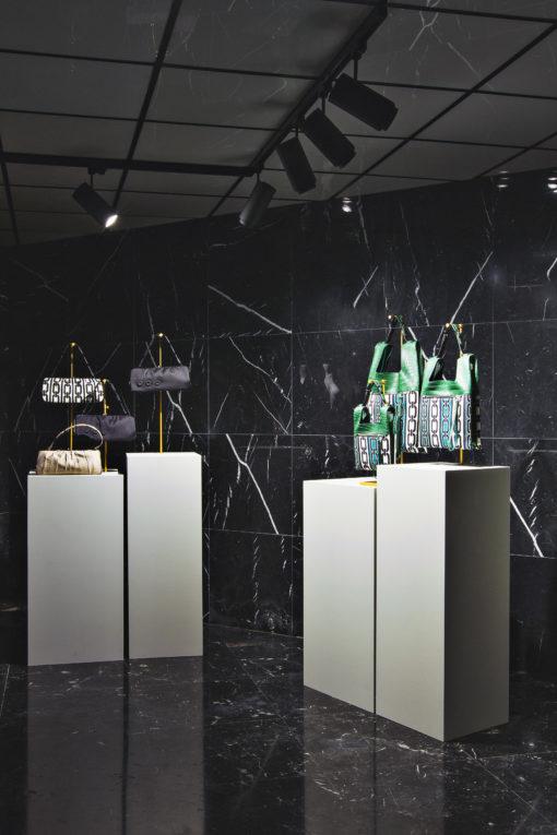 Showroom BonottoEditions. Uno degli ambienti con alcune delle creazioni esposte (courtesy photo: Linea Light)