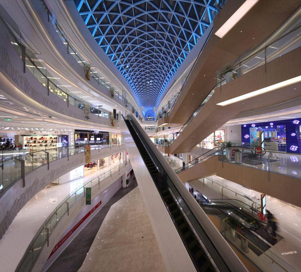 Interni del centro commerciale