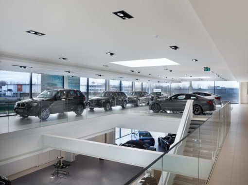 Puurs, Concessionaria BMW Gregoir. Alcune immagini degli interni (courtesy photo: Zumtobel Group)