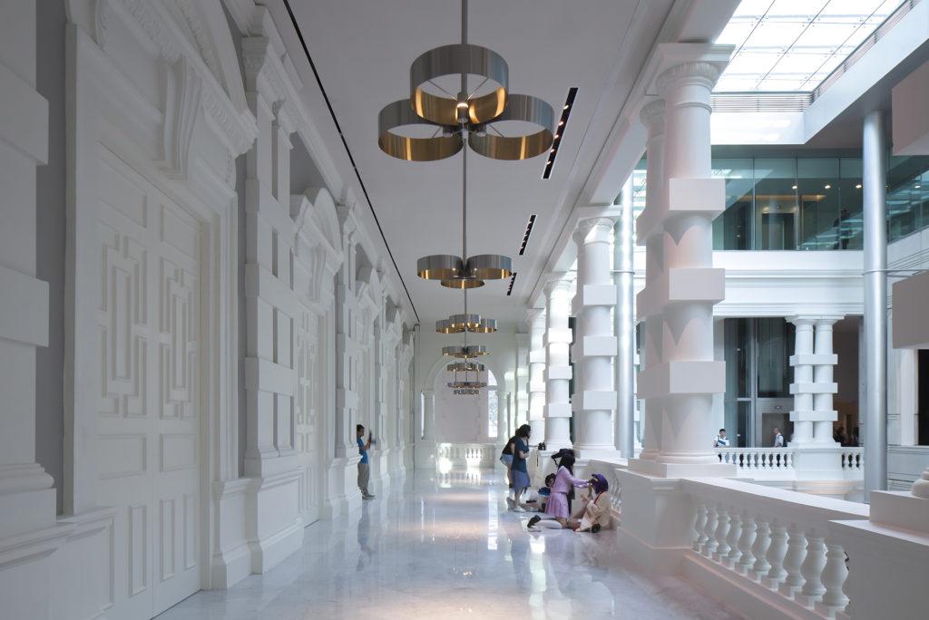 Singapore. Victoria Theatre and Victoria Concert Hall. Alcune delle nuove sospensioni (courtesy photo: .PSLAB)