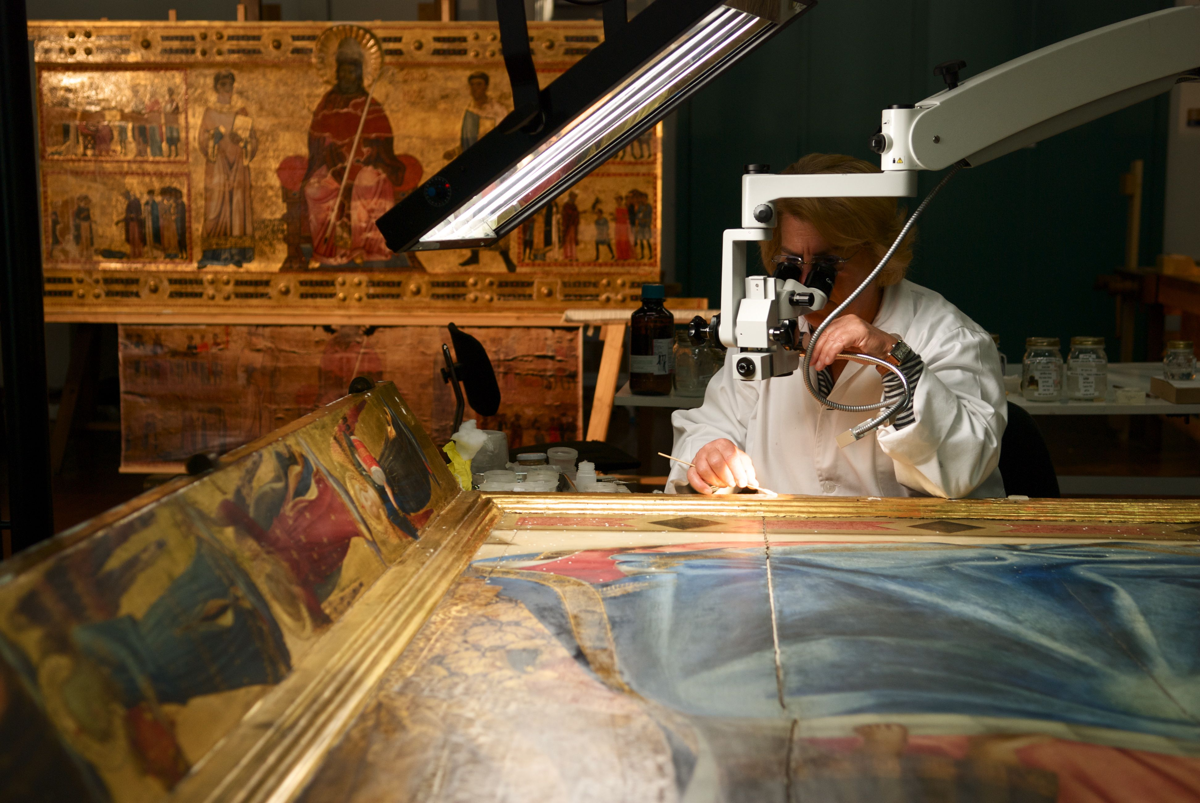 La valorizzazione dei nostri beni artistici e culturali è uno dei principali ambiti nei quali la luce può giocare un ruolo determinante