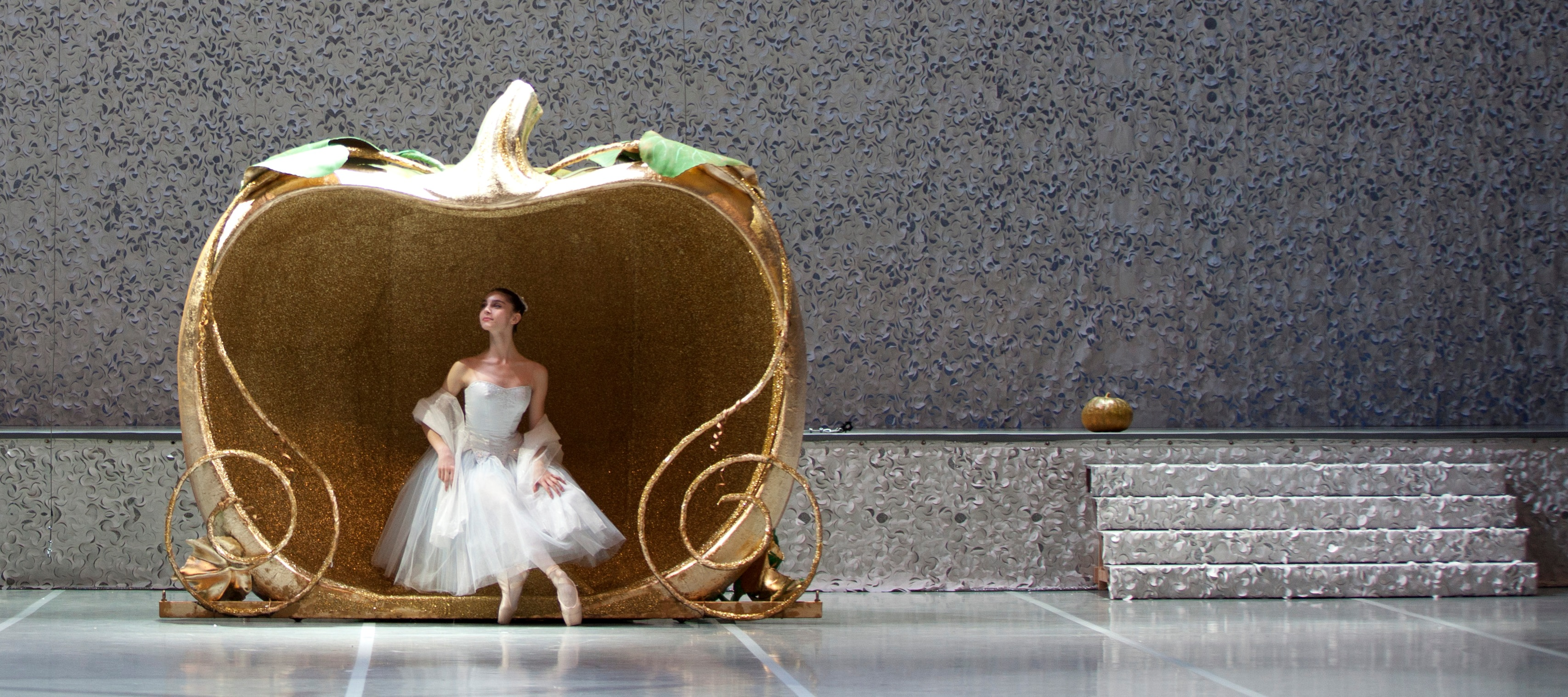 """""""Cenerentola""""-Scuola di ballo dell'Accademia Teatro alla Scala (foto: Andrea Angeli)"""