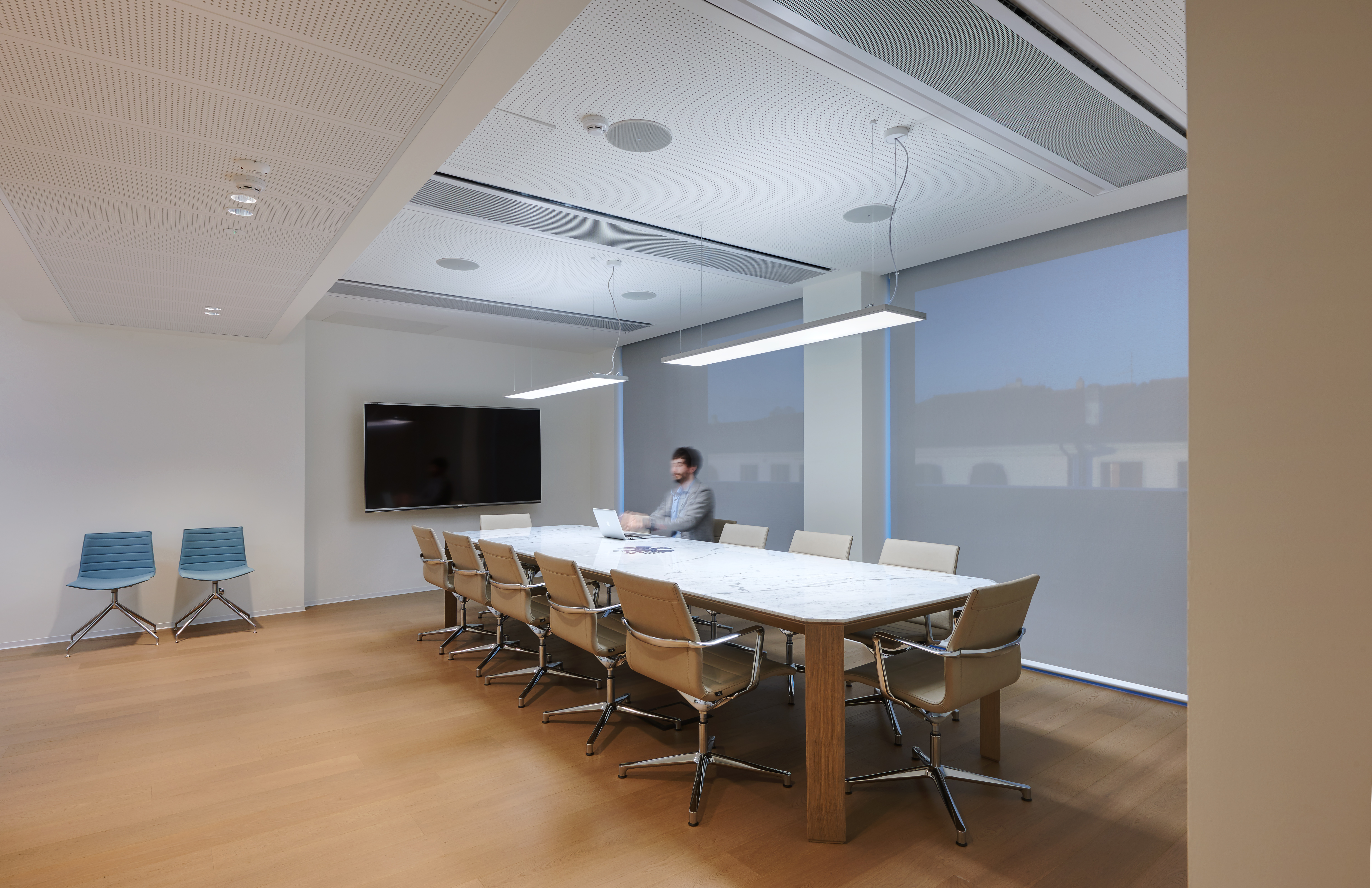 "Nuova sede ""Ascom"". Una sala riunioni"