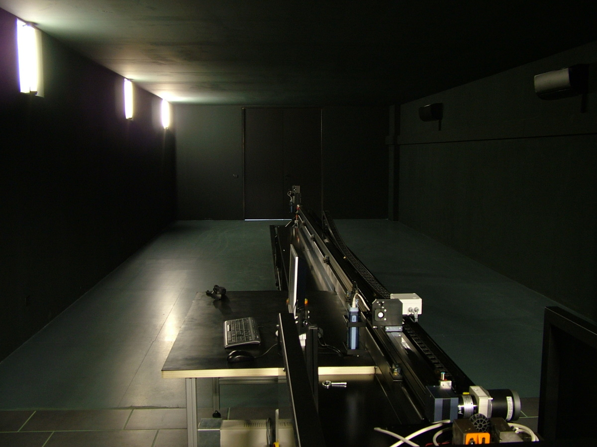Khatod. Laboratorio prove fotometriche (courtesy: Khatod Optoelectronic))