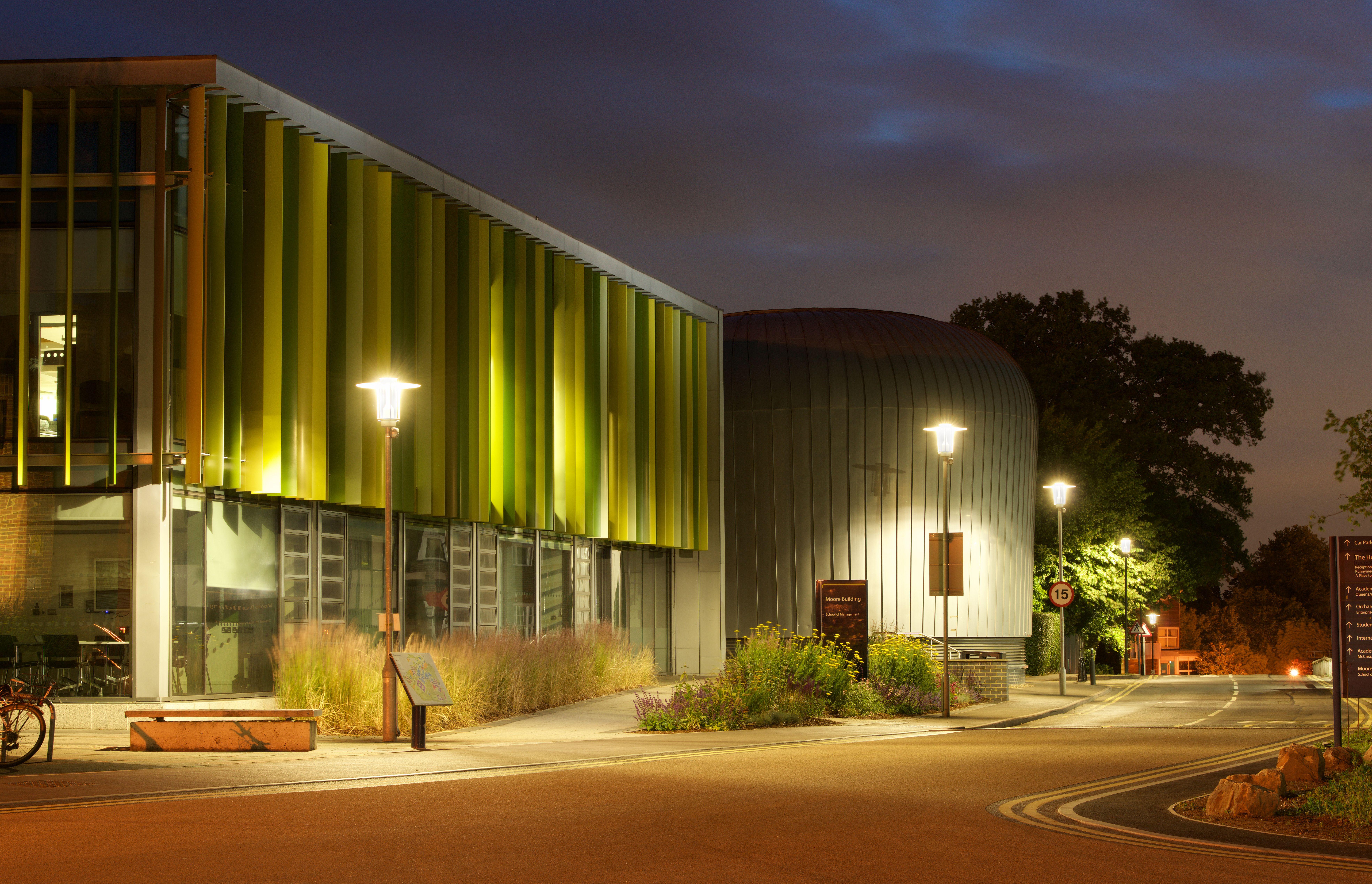 Luce smart wireless adattiva per il campus luce e design