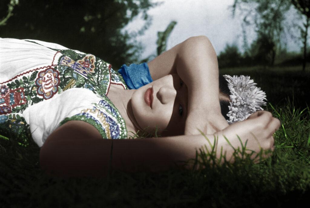 Milano, Fabbrica del Vapore. Frida Kahlo: l'ambiente, l'arte e le emozioni - Luce e Design